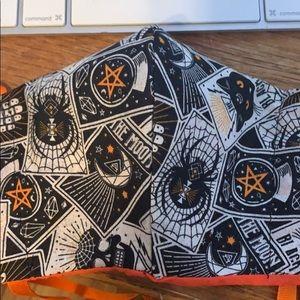 Halloween divination tarot cards mask